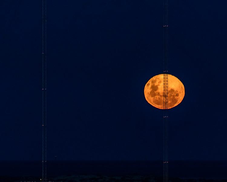 Moonrise at Exmouth Radio Tower