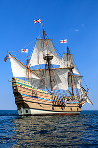 Mayflower II Return