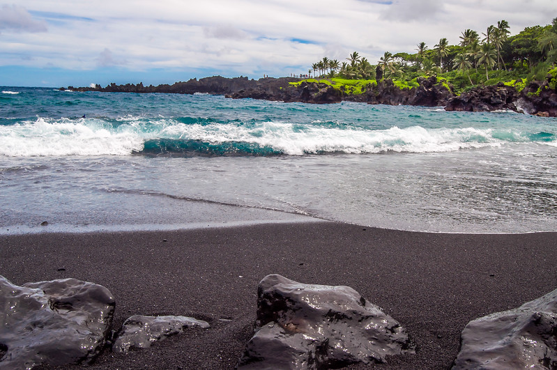 Wai'anapanapa Black Sand Beach Surf