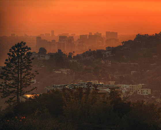 Century City When I stayed with Tom earlier last week, we went up the hill from his home to take a few photos of the sunset.  One area looks towards downtown, and the other looks towards Century City, Hollywood, and the Pacific ocean beyond.- Trey RatcliffClick here to read the rest of this post at the Stuck in Customs blog.