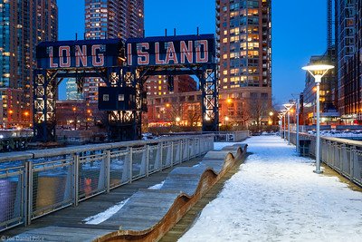 Snow, Long Island City, New York, America