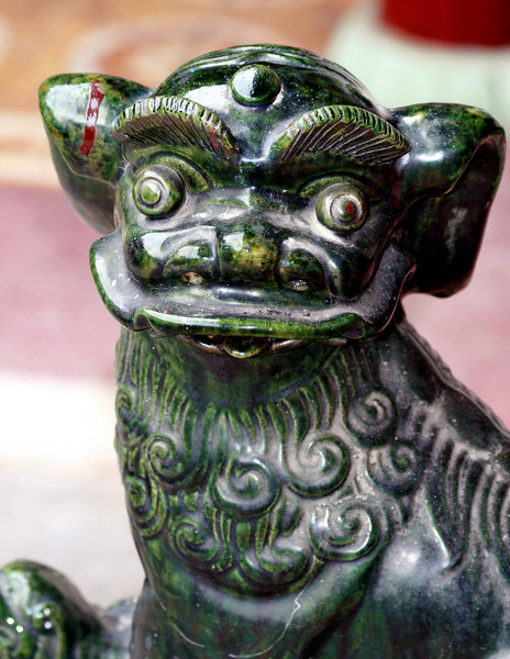 Hoi An, VN. Statue inside Chinese temple