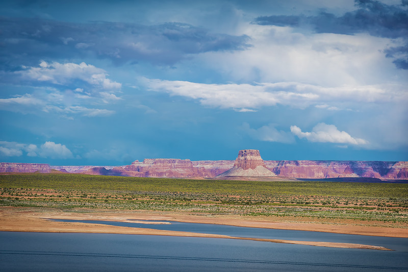 Antilope Island Across Lake Powel (Arizona)