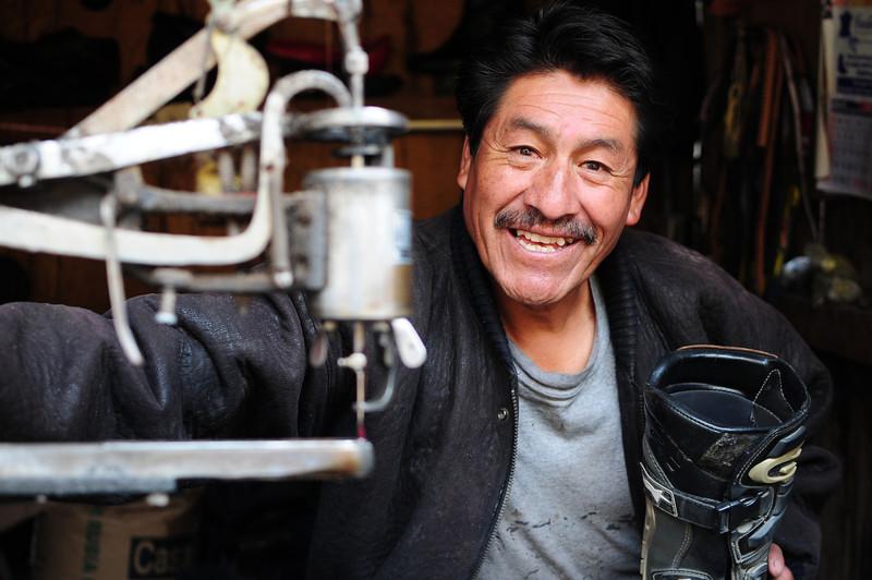 The gut who DIDN'T repair my boots. Mercado nr Hostel Estrellita. Cusco, Peru