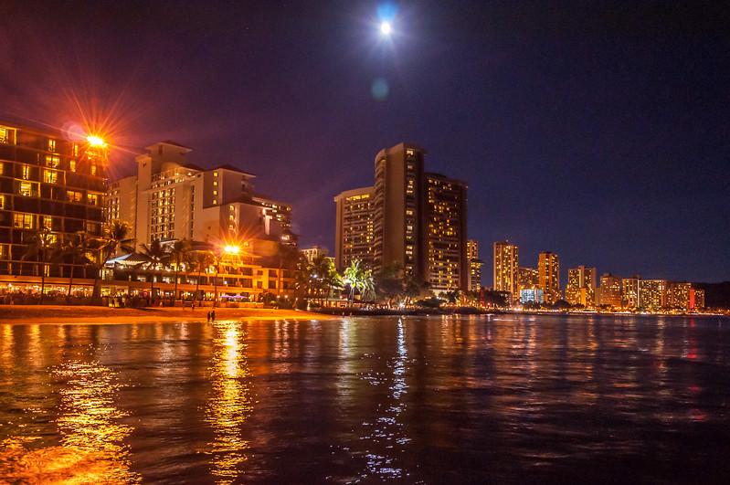 The Glow of Honolulu