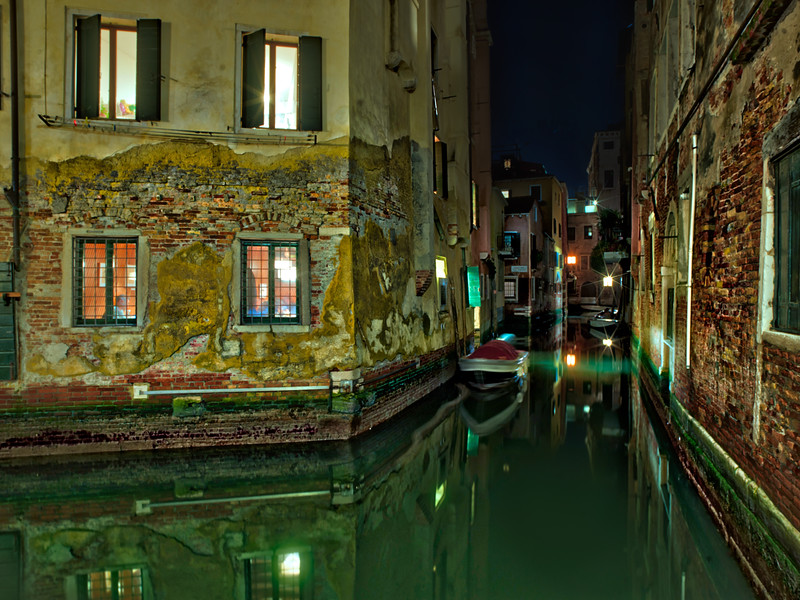 A Night Walk In Venice