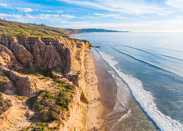 Late afternoon sun shining on the bluffs of Torrey Pines State Reserve