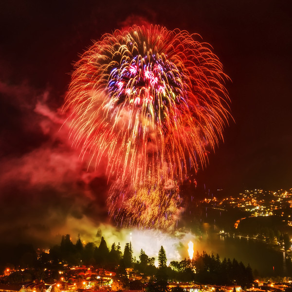 """<h2>2013 Fireworks in Queenstown</h2> <br/>I decided to re-crop this photo at the last minute! If you dig around on Google+, you'll see my first version. It was okay, but I think I like this square one better. Actually, I just can't make up my mind. I feel like a woman trying on clothes, or, at least, what I think that would feel like.<br/><br/>- Trey Ratcliff<br/><br/><a href=""""http://www.stuckincustoms.com/2013/01/05/the-royal-stairs/"""" rel=""""nofollow"""">Click here to read the rest of this post at the Stuck in Customs blog.</a>"""