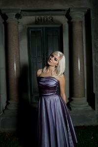 Model: Carrie Spinn