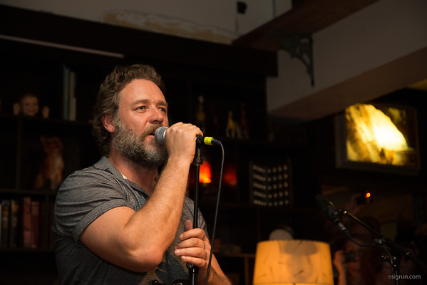 Russell Crowe in concert