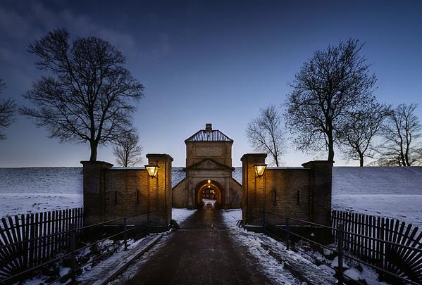 Three Steps at Kastellets Gate I