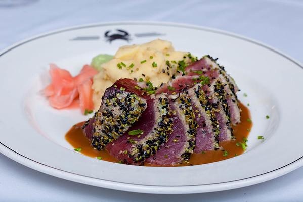 seaseme crusted hawaiian tuna