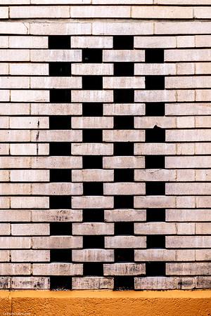 Dana-Thomas House, Wall
