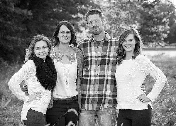 Family Pictures - Paula Goff Photography - Family Portraits in Kokomo IN