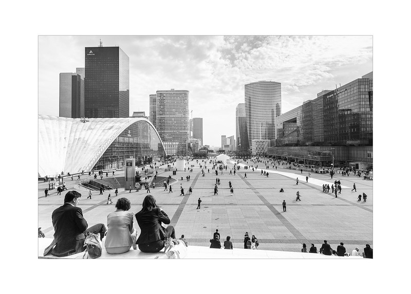13 View over la defence - 53x73,5cm photoprint with black frame and plaxiglass