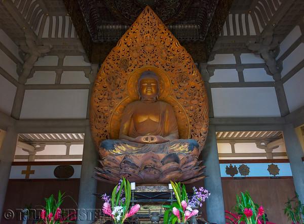 Amida Buddha, Byodo-In Temple, Valley of the Temples Memorial Park, Kahaluu, O'ahu, Hawaii