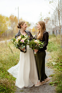A bride and her sister posing in Toronto