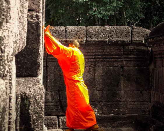 temple-monk