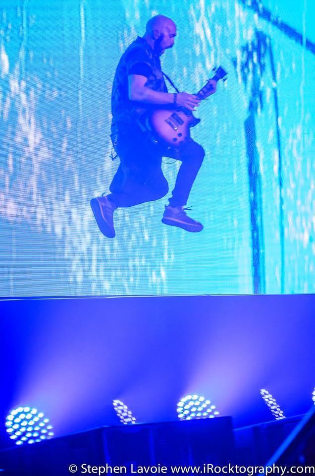 the Script - Mark Sheehan, flying on guitar...