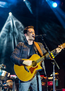 Lead vocalist Marc Roberge from O.A.R Performance at 2014 Allstate Sugar Bowl Fan Fest