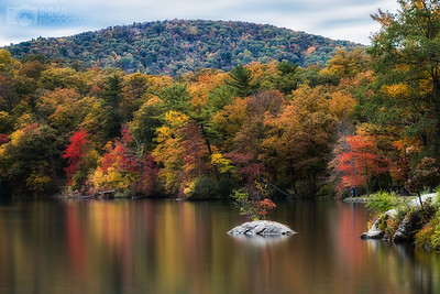 Autumn at the lake