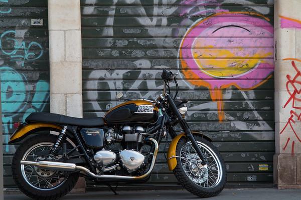 Motocyclette at Marche aux Puces, Paris
