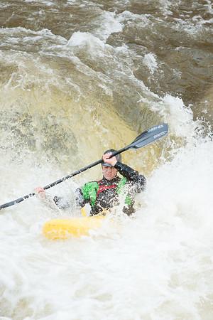 201606-3620-kayak