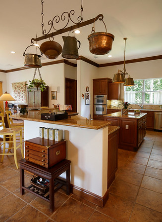 fallshouse_kitchen_3_crop