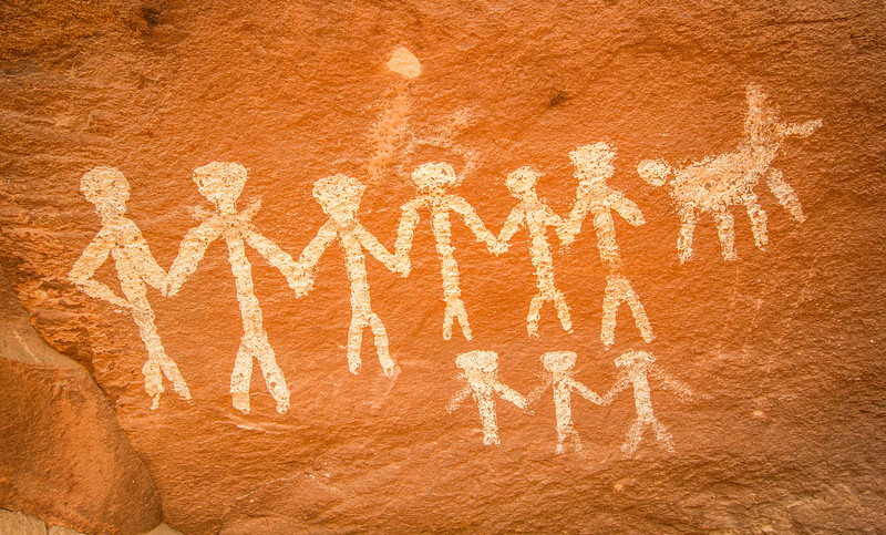 Hand-in-hand anthropomorphs, Basketmaker pictographs, Chinle Representational Style, Bears Ears National Monument and environs, San Juan County, Utah