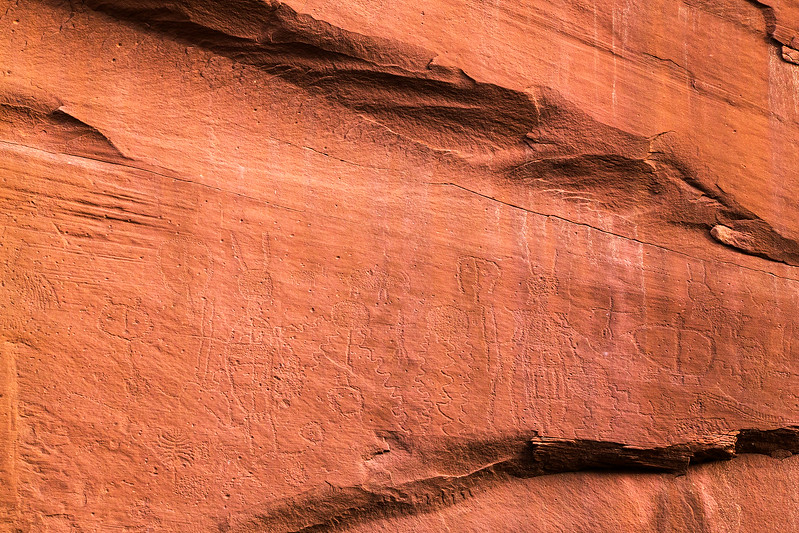 Wide view Glen Canyon Linear Style petroglyph panel, Archaic period, Bears Ears National Monument and environs, San Juan County, Utah