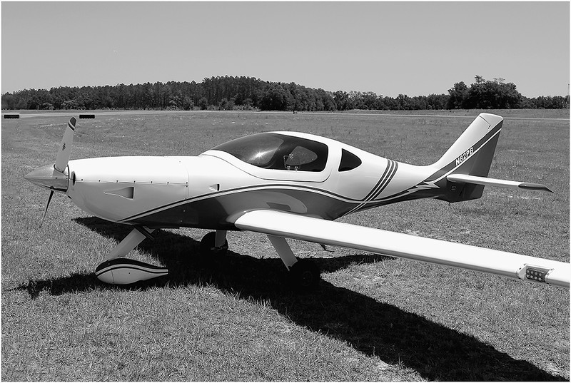 PAUL BRYANT'S 2008 ARION AIRCRAFT LIGHTING (N82PB) - (2)