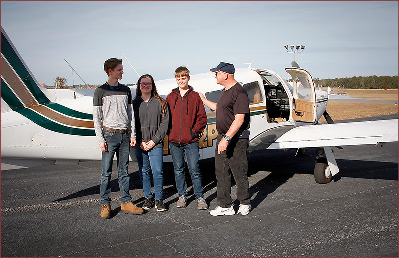 2018-12-08 PIPER LANCE PILOT DON AND A GROUP OF YOUNG EAGLES