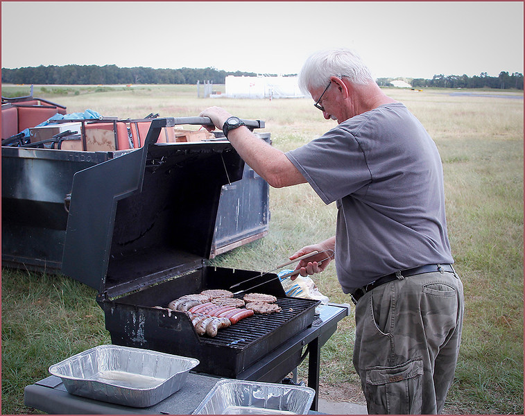 2019-10-04 HANGER TEAM COOK-OUT (CHEF MERLE AT WORK)