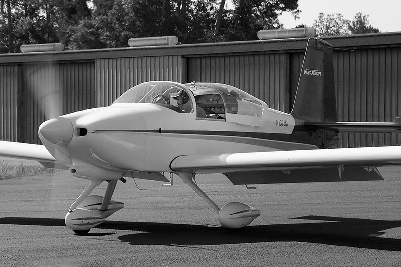 TOM LONGO AND PASSENGER WITH THE RV9 ON THE MOVE