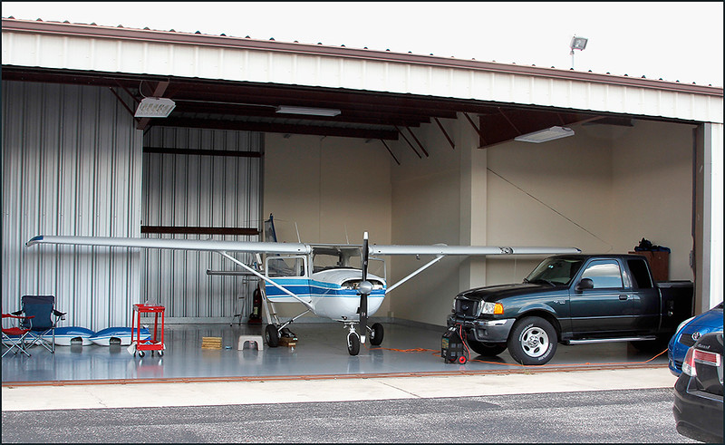 2018-06-18 CESSNA 150 N60883 (3) AND PARTIAL HANGER