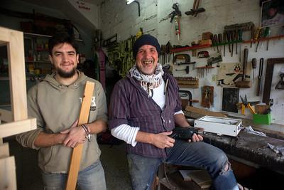 Marcelo La Cava y su hijo León- Carpinteros 01