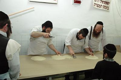 Matzo Baking 120
