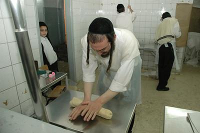 Matzo Baking 133