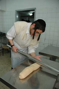 Matzo Baking 141