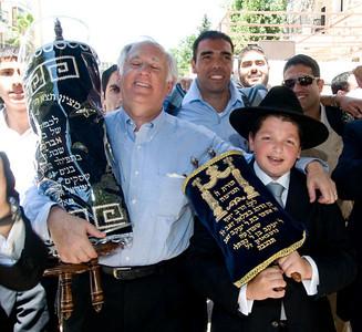 723-Farbman-Sefer-Torah
