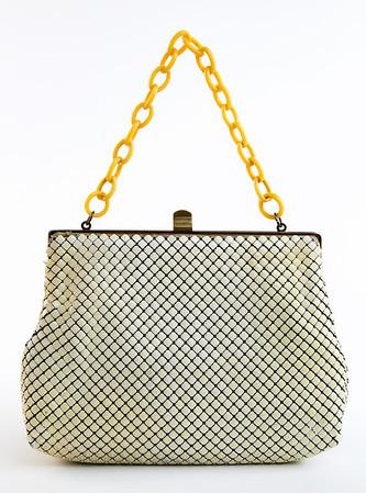 Vintage white purse 2