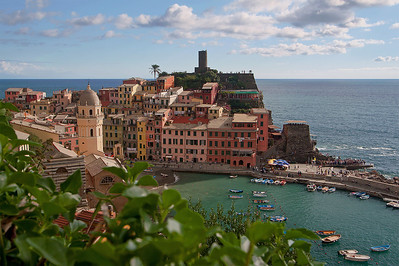 Leafs Framing Vernazza