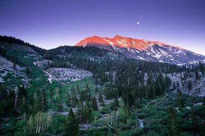 Diamond Peak Moonrise