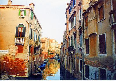 Venice 87 (33906769)