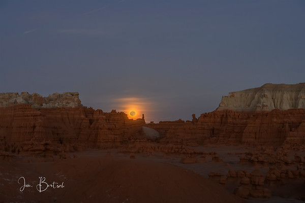 Moonrise at Goblin Valley State park