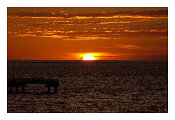 gulf_pier_sunset-1024