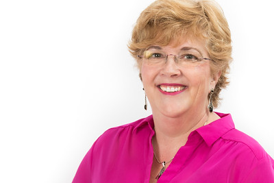 Lori of FER Headshot--4