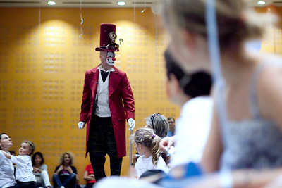 Clown performing at kids party for KRAFT Italia