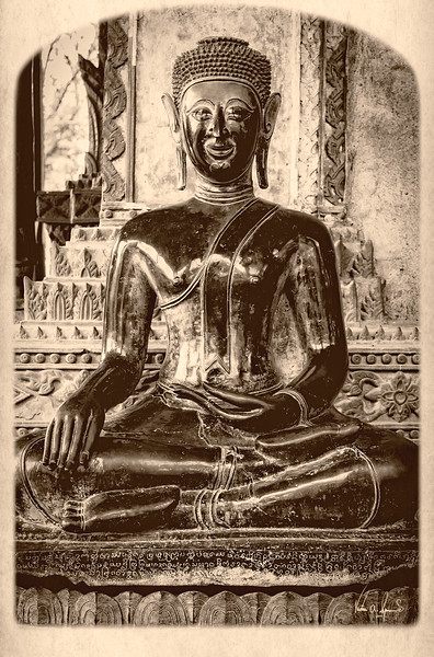 """THE SITTING BUDDA"""