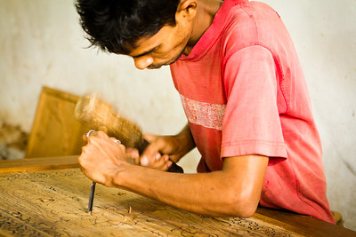 { wood carver }